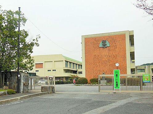 戸建賃貸-岡崎市桑原町字緑陽台 新香山中学校まで徒歩約13分 (約1000m)