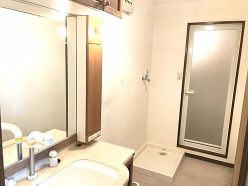 中古マンション-知多市八幡新町3丁目 洗面化粧台も大変綺麗にお使いです!