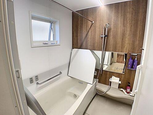 中古一戸建て-安城市東栄町 浴室には手すりがついているので、ご年配の方にも安心です。