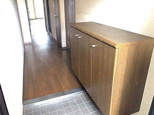 中古マンション-豊田市豊栄町3丁目 玄関横にシューズボックスがついているので、片付いた玄関がキープできます。