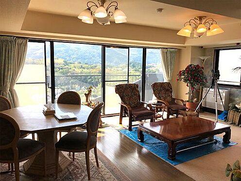 中古マンション-賀茂郡東伊豆町奈良本 【リビング】約21.8帖の広さです。