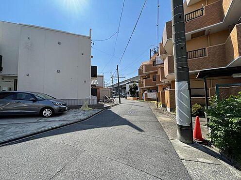 戸建賃貸-名古屋市中村区猪之越町1丁目 前面道路の幅員は約5.5m。お車のすれ違いも楽です♪