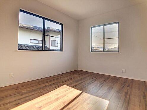 中古一戸建て-福岡市早良区飯倉4丁目 日当たり良好の2階洋室1です。