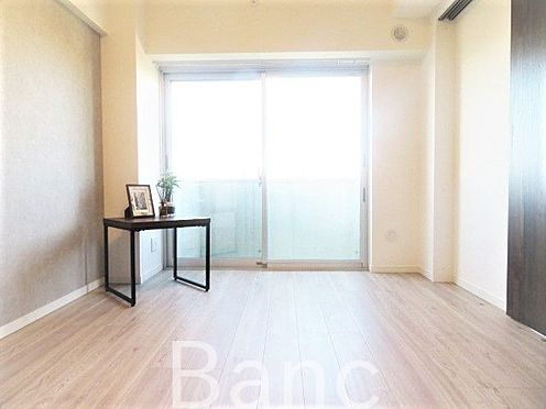 中古マンション-杉並区高円寺北1丁目 明るい室内 お気軽にお問い合わせくださいませ。
