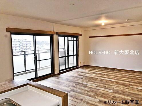 マンション(建物一部)-大阪市東淀川区南江口1丁目 ■現在13万円で賃貸中!表面利回り5.82%■壁いっぱいに大きな窓がある明るいリビングになっています!