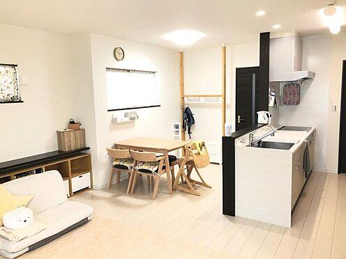 中古一戸建て-西尾市中畑町向野 対面式キッチン。家族で楽しく会話しながら家事。魅力的なLDK空間です。