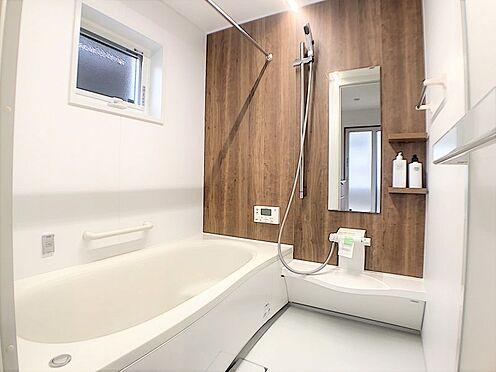 戸建賃貸-碧南市新道町4丁目 1日の疲れを癒す浴室。足を伸ばしてゆったりリラックス♪