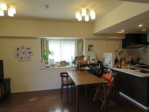 中古マンション-八王子市上柚木2丁目 オープンカウンターキッチンで開放感がございます。