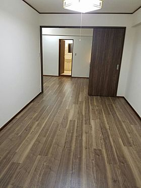 建物全部その他-京都市伏見区石田内里町 7.5帖洋室。