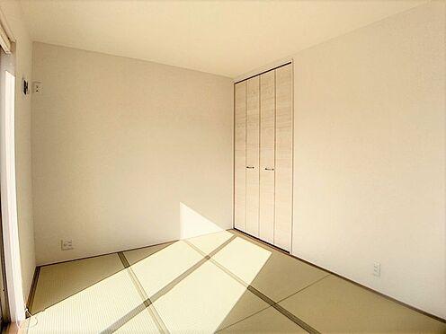 新築一戸建て-名古屋市名東区梅森坂3丁目 LDK横に隣接する便利な和室。