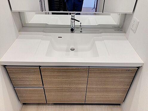 中古マンション-名古屋市緑区鳴子町2丁目 タカラスタンダードの洗面台はホーロー素材でお掃除も楽々です!
