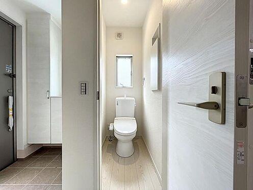 戸建賃貸-名古屋市中川区万場2丁目 トイレは1・2階にあるので重なる朝も安心です