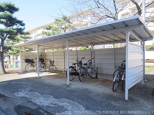 中古マンション-千葉市美浜区稲毛海岸3丁目 敷地内自転車置場です!