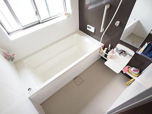 中古一戸建て-江戸川区東葛西3丁目 追い焚き・換気のできる窓付きのお風呂です。