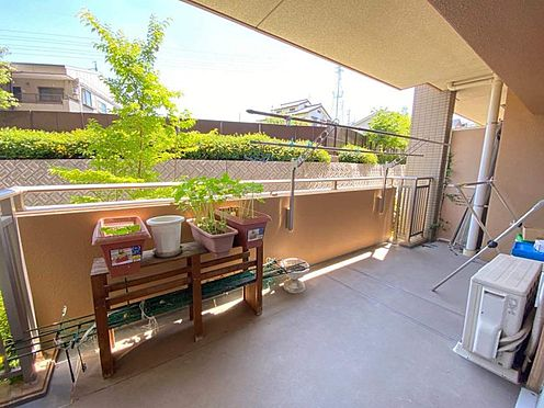 中古マンション-名古屋市緑区有松町大字桶狭間字生山 ガーデニングも楽しめる、広々バルコニーです!
