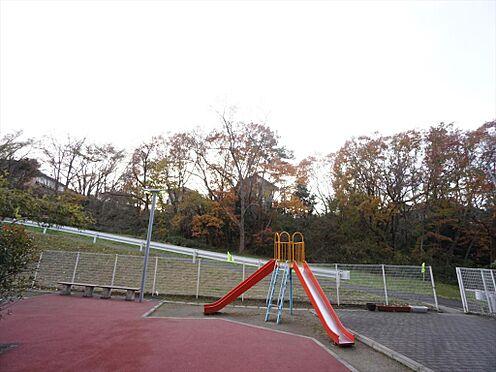 中古マンション-仙台市泉区七北田字八乙女 敷地内には公園もあります。