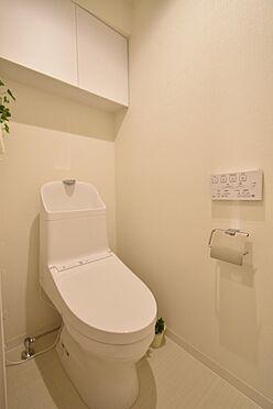 中古マンション-中央区日本橋茅場町3丁目 TOTO製の温水洗浄暖房便座付きトイレ