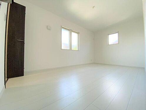中古一戸建て-日進市岩崎町野田 白を基調とした高級感あふれる室内。