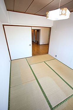 中古マンション-橿原市栄和町 2012年に畳表替えとクロス貼替済です。寝室にいかがでしょうか?