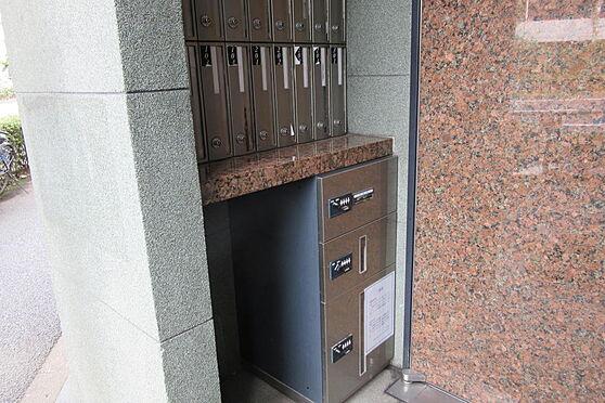 マンション(建物一部)-世田谷区千歳台3丁目 宅配ボックス、郵便ポスト