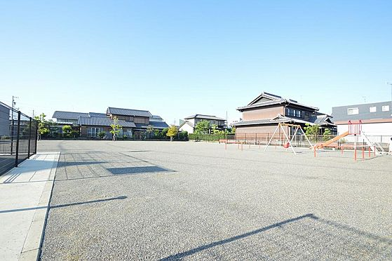 マンション(建物全部)-瑞穂市別府 広々と遊ぶことが可能な公園が近隣に有り。