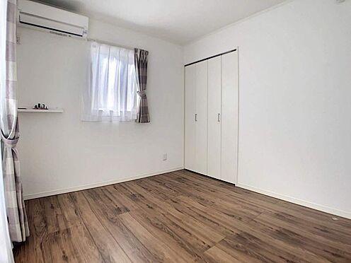 中古一戸建て-春日井市六軒屋町6丁目 5.2帖洋室 お掃除もラクチンなフローリングのお部屋です!