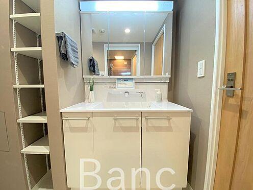 中古マンション-横浜市南区高砂町2丁目 使い勝手の良い洗面台です。