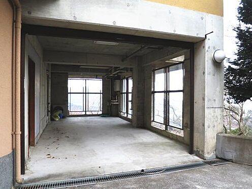中古一戸建て-熱海市上多賀 2台十分に駐車可能です。(未登記部分)