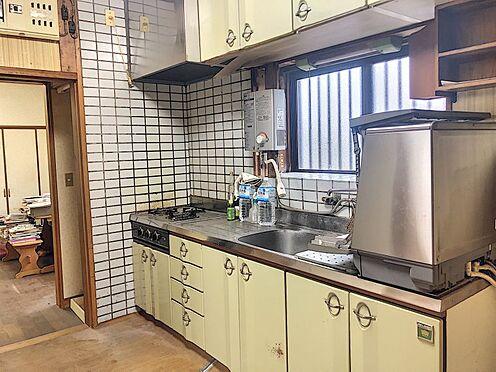 戸建賃貸-岡崎市細川町字鳥ケ根 収納スペースの多いキッチン