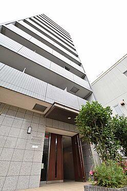 中古マンション-江東区平野3丁目 白を基調とした、タイル張りの外観