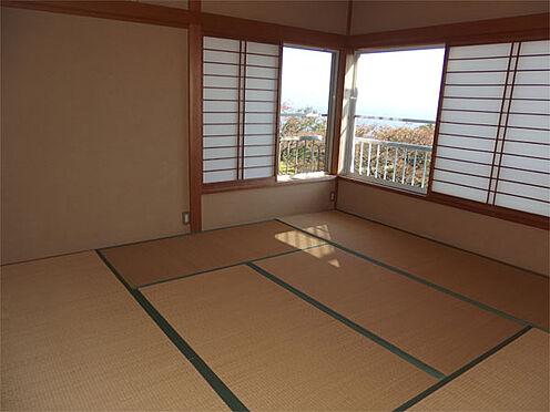 中古一戸建て-伊東市赤沢 【1階和室】1階和室8帖(増築未登記)からも海が見えます
