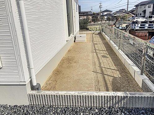 新築一戸建て-半田市平地町1丁目 お庭もございます!