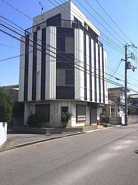 店舗付住宅(建物全部)-和歌山市小雑賀 4階建て住宅。バルコニー広々としています。