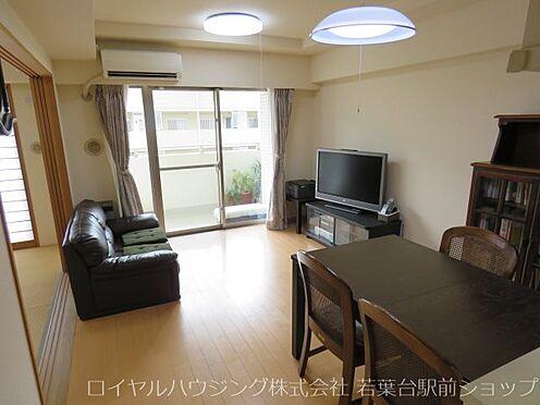 中古マンション-川崎市高津区新作5丁目 3階部分、南向きの明るいリビングです