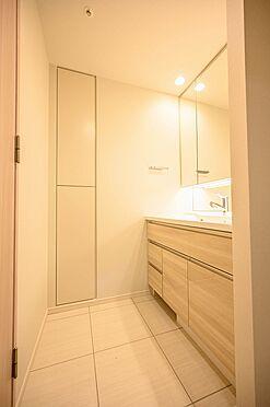 中古マンション-渋谷区神宮前2丁目 リネン庫付き洗面室
