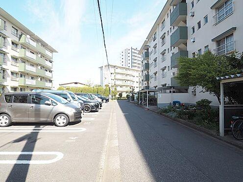 中古マンション-千葉市美浜区幸町2丁目 敷地内舗装駐車場!