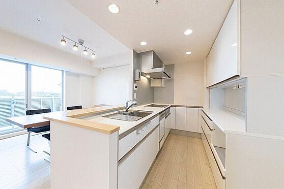 中古マンション-江東区東雲1丁目 ゆったりとしたシステムキッチン。