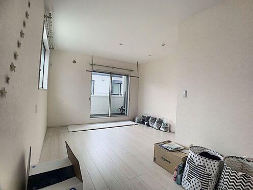 中古一戸建て-豊田市浄水町原山 2階のお部屋はすべて南側、2面採光で明るい光を良く取り込みます