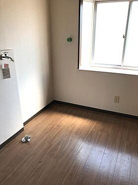 アパート-仙台市青葉区東勝山2丁目 室内洗濯機置場 2021年4月撮影