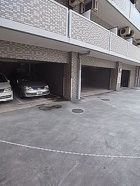 マンション(建物一部)-神戸市兵庫区湊町1丁目 駐車場もあるからアクセスが便利。