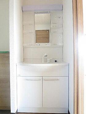 マンション(建物全部)-松戸市松飛台 清潔感溢れる洗面台は気持ち良く朝の身支度が出来ますね