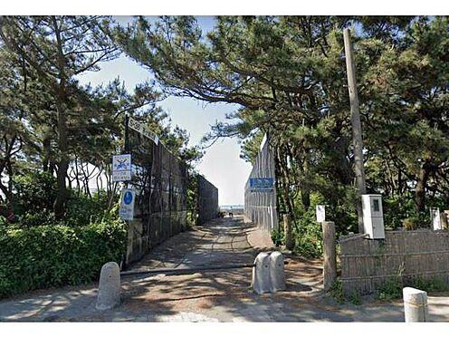 マンション(建物一部)-茅ヶ崎市東海岸南6丁目 ■ 茅ヶ崎パーク 400m ■ 徒歩5分圏内に海!ウッドデッキなどおくつろぎいただけるスペースがある他、サーフィンをするのにもおすすめです。さわやかな風を受けながら散歩なんかするのも良いですね。