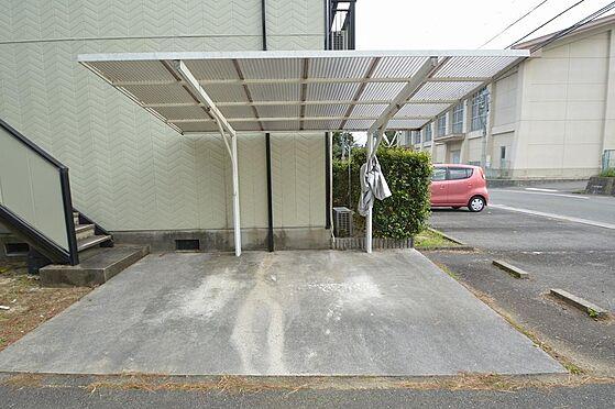 アパート-いなべ市大安町平塚 複数台が無理なく駐輪可能な駐輪場。