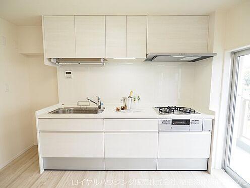 中古マンション-千葉市美浜区稲毛海岸3丁目 使いやすい3口コンロのシステムキッチンです!