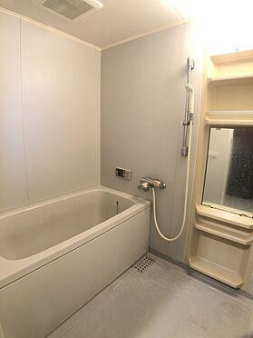 区分マンション-福岡市城南区別府6丁目 明るい浴室です。