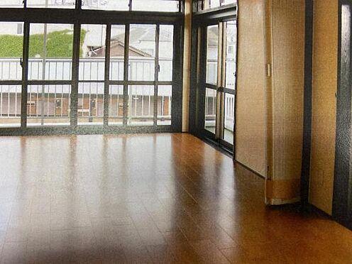 マンション(建物一部)-目黒区五本木1丁目 アコーディオンタイプドアを開けると、開放感更にアップ。