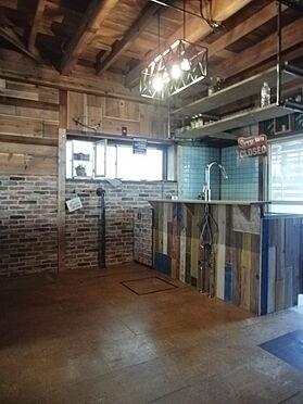 建物全部その他-大津市富士見台 リビングが見渡せる対面式のキッチン