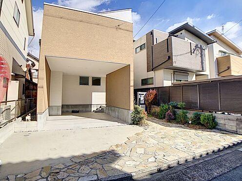 中古一戸建て-名古屋市中川区野田2丁目 便利なガレージ付き駐車場です。