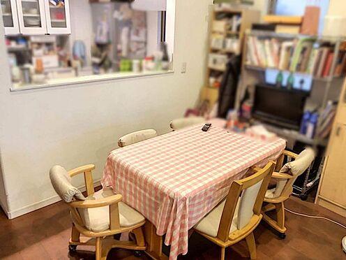 戸建賃貸-名古屋市千種区内山1丁目 食卓を囲むご家族とキッチンでお料理をしながらコミュニケーションがとれます♪