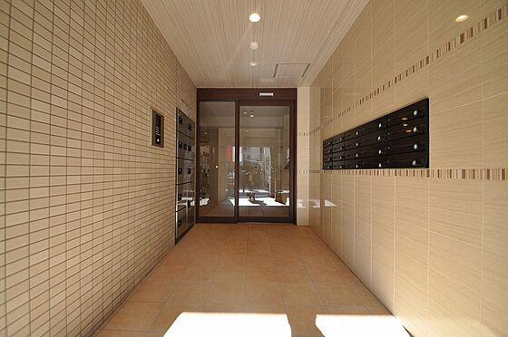 ビル(建物全部)-福岡市南区平和2丁目 落ち着いた色合いの外観にマッチした入口